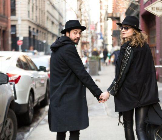 Iδέες styling που μπορείς να υιοθετήσεις σε ένα casual ραντεβού με τον  αγαπημένο σου (VIDEO) f261e4db4e5